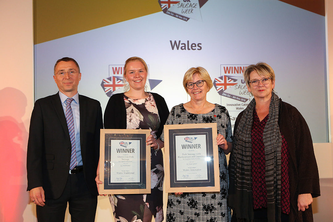 Wales L-R: Award partner Gareth Jones of Kalsec Europe Ltd, Traditional winner Jess Jones of Wegnalls Farm Meats, Innovative winner Helen Vaughans of Vaughans Family Butchers, and Sophie Grigson.